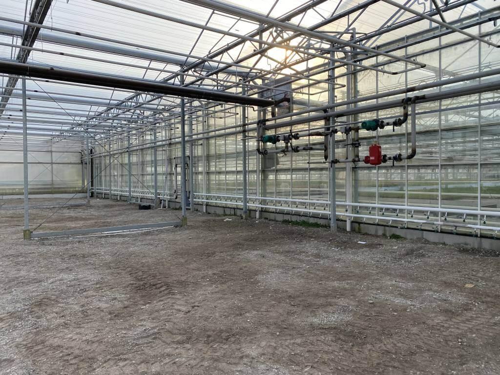 Konstrukce a závlaha skleníků a foliovníků
